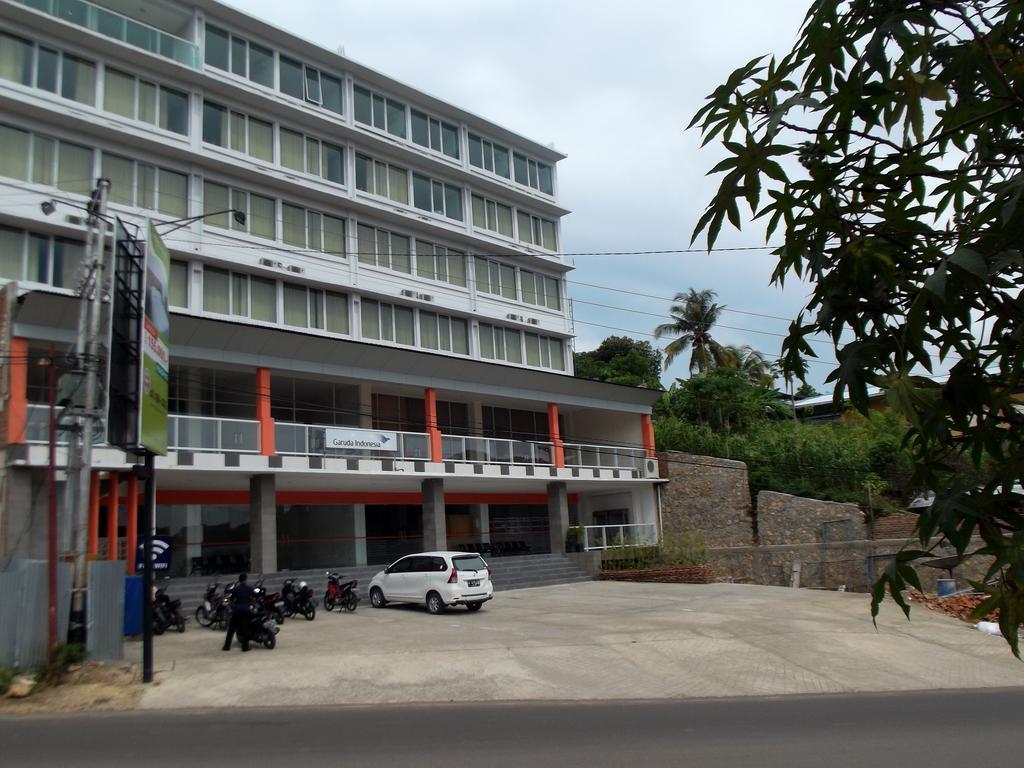 l-bajo-hotel